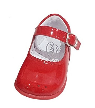 457 Girls shoes in patent red