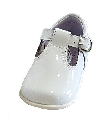 463 Boys shoes in patent white