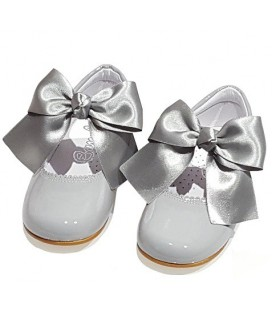 Mary Jane patent leather 4199 grey with Julieta bow