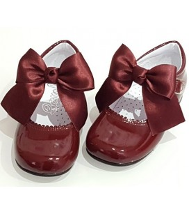 Mary Jane patent leather 4199 burgendy with Julieta bow