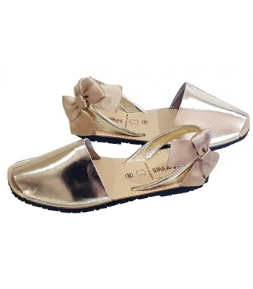 Avarcas in leather gold adults with bows