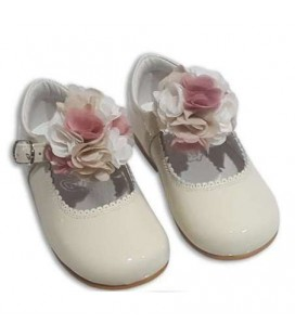 MARY JANES IN PATENT FLOWER TUL BAMBI 4199 BEIG COMBI