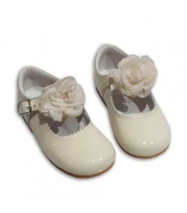 MARY JANES IN PATENT FLOWER TUL BAMBI 4199 BEIG