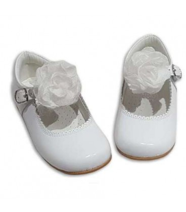 MARY JANES IN PATENT FLOWER TUL BAMBI 4199 WHITE