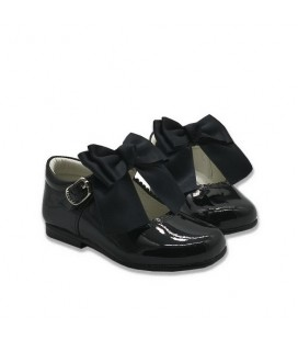 Mary Jane patent leather 4199 black with Chantelle bow